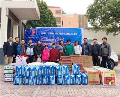 Đoàn Thanh niên PGC Hà Nội tổ chức nhiều hoạt động gây quỹ từ thiện Yêu thương sưởi ấm trái tim